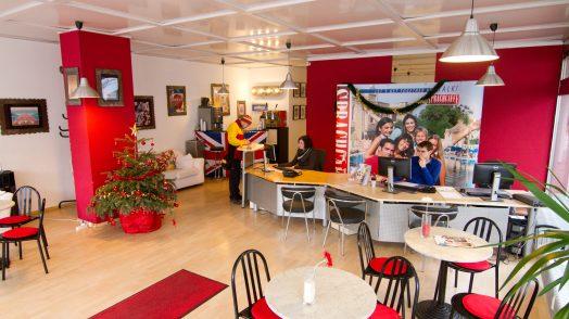 Sprachcaffe_Frankfurt_School building Entrance Lounge
